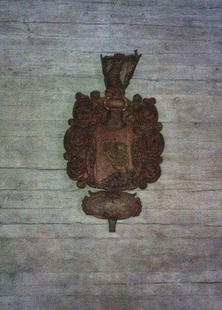Enligt Segloras inventarium från 1830 är detta Lars Hjulhammars vapen (1643-1685). Foto Johan Schuisky